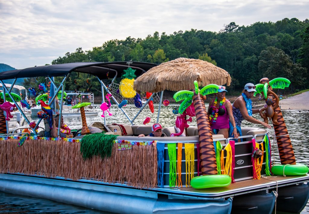 Luau decorate boat